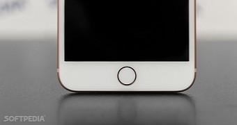 Apple to Kill Off the Fingerprint Sensor on All Future ...