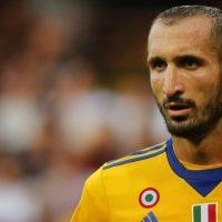 Giorgio chiellini yellow jersey
