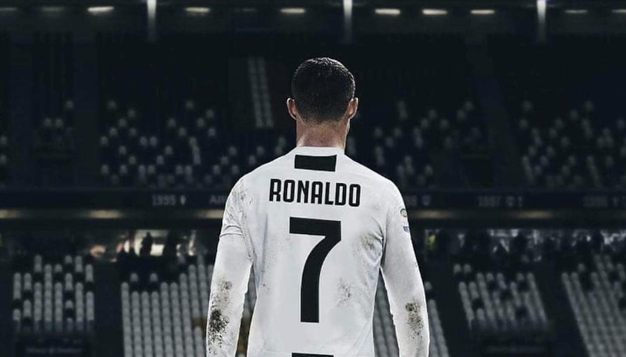 Ronaldo new juventus white jersey