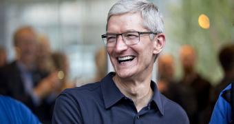 , Tim Cook Praises iPhone for Its Comeback